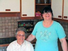 Slowakische Pflegerin mit Patient